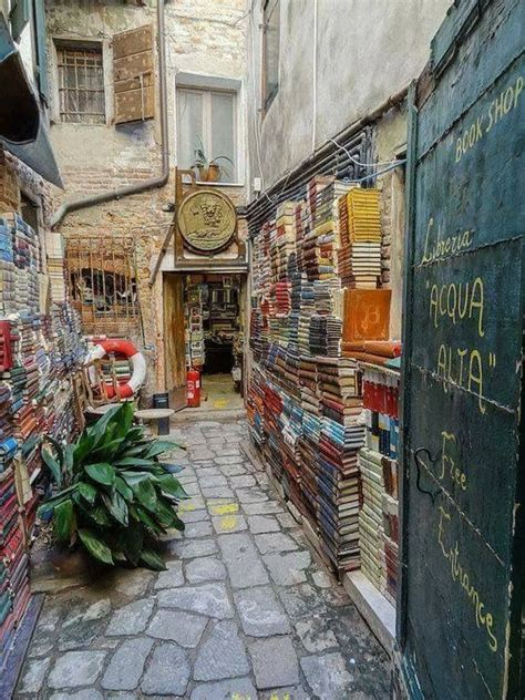 librerie venezia librer 237 a acqua alta venecia laguna di venezia