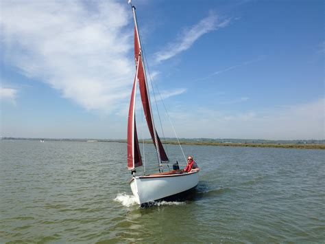 day boats and trailer sailors up river yacht club - Boat Day