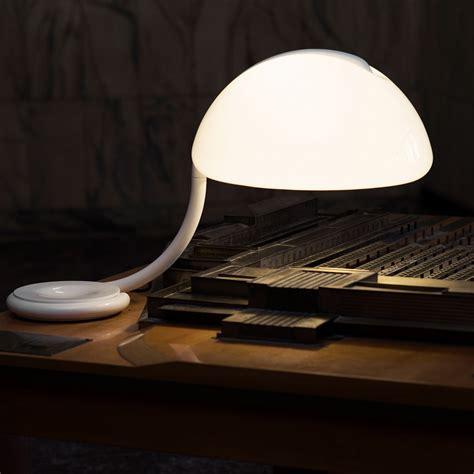 martinelli illuminazione lada da tavolo serpente by martinelli luce lovethesign