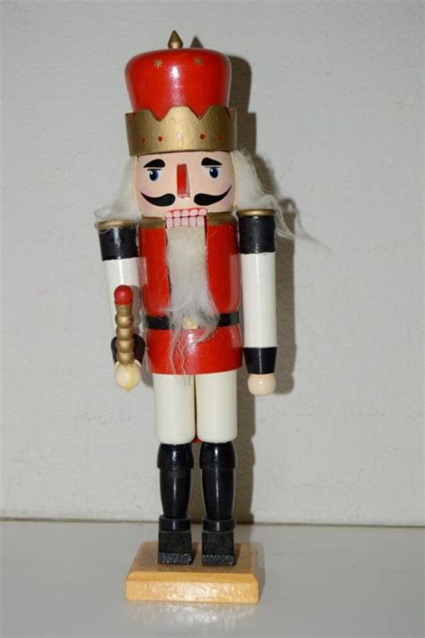 unusual nutcrackers unique nutcracker shop collectibles daily