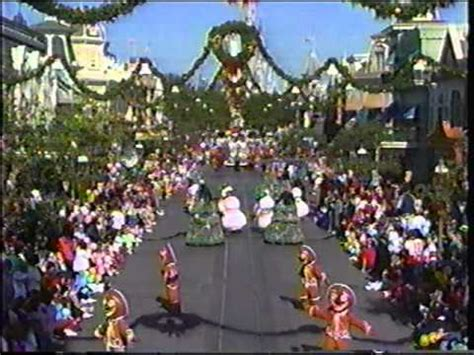 disney world parades fantasy on parade (christmas) 1990