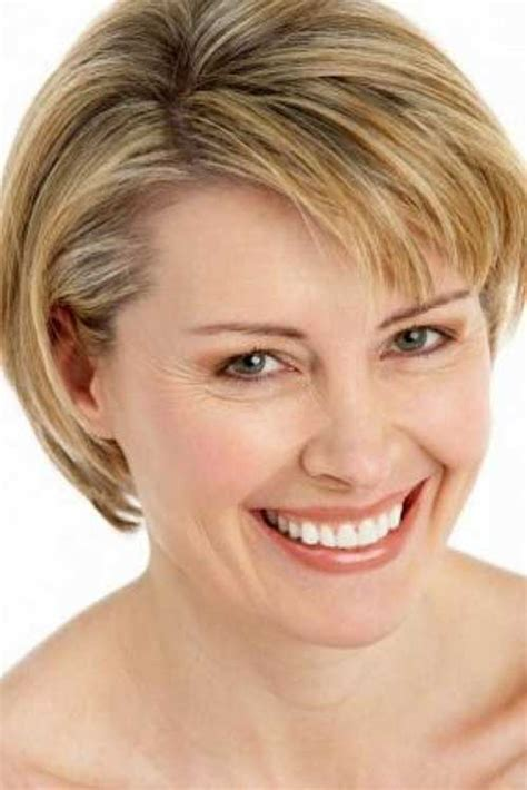 easy short hair styles for thin hair over 50 short hairstyles easy short hairstyles for fine hair 2016