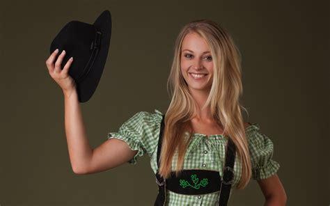 carisha videos blondes women models femjoy magazine smiling natural boobs