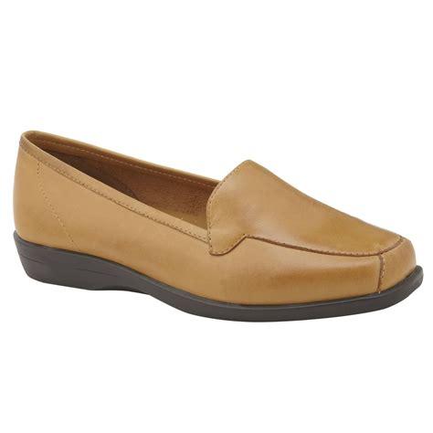 i love comfort shoes i love comfort women s casual shoe gem tan