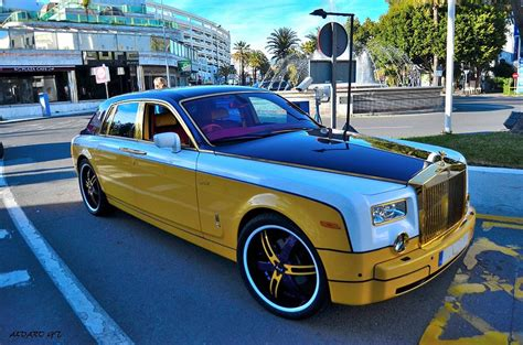 rolls royce gold and pablo rabiella rolls royce phantom spotted in puerto banus