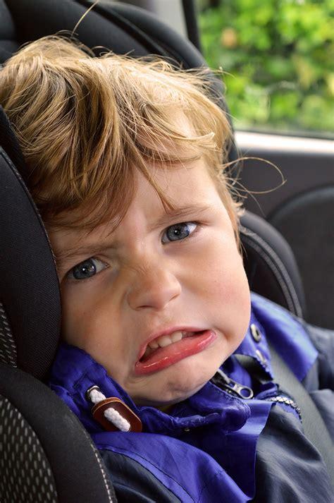 ab wann dürfen kinder ohne kindersitz fahren ab wann d 252 rfen kinder im auto vorne sitzen babyschale