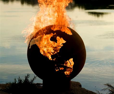 Earth Globe Pit planet earth globe pit dudeiwantthat