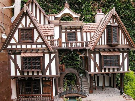 dolls houses uk pin by jessica armstrong on tudor medieval dollhouses pinterest