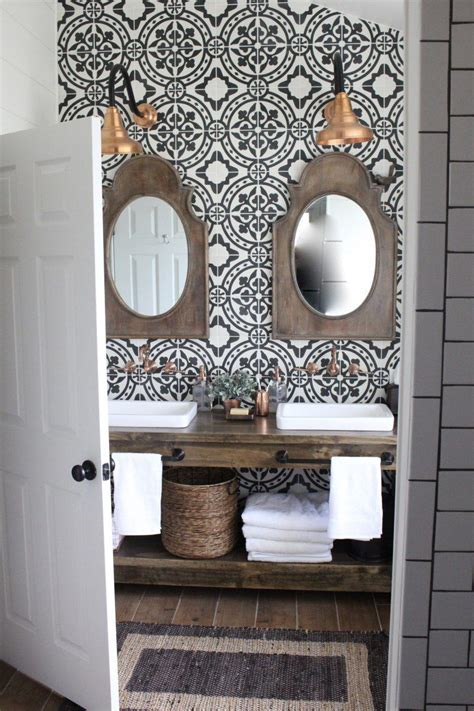 15 Inspiring Farmhouse Bathrooms