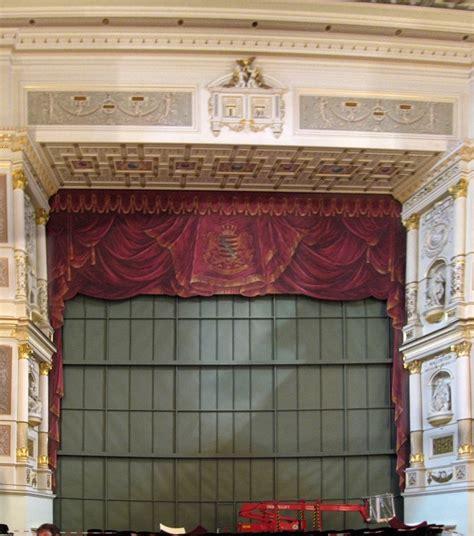 Eiserner Vorhang Theater