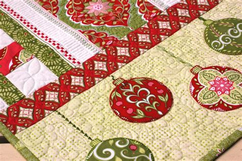 free pattern for christmas tree table runner amanda murphy design complimentary holiday bouquet table