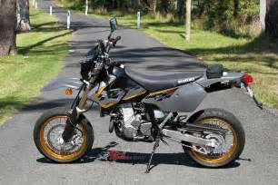 Suzuki Dr Z 400 Sm 2017 Suzuki Dr Z400sm Review Bike Review