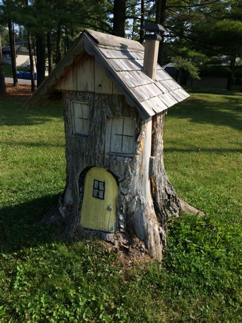 tree stump tree stump house saw this on the of the road and i