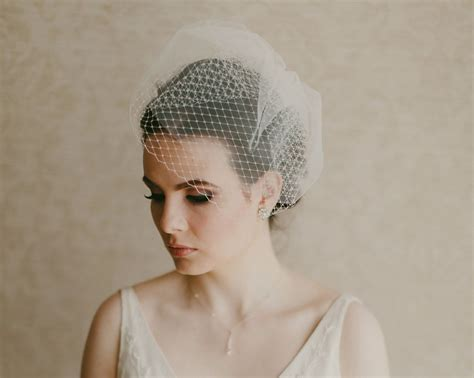 birdcage veils ireland 30 elegant wedding veils for classic brides weddingsonline
