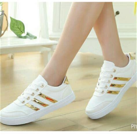 Sepatu Boots Kasual Wanita Bcc 885 Sepatu Wanita Murah pin sepatu fashion wanita tas produk grosir reseller