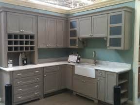 Painting Kitchen Cabinets Home Depot Martha Stewart Cabinets From Home Depot Like The Shelves On The End Ideas For S House