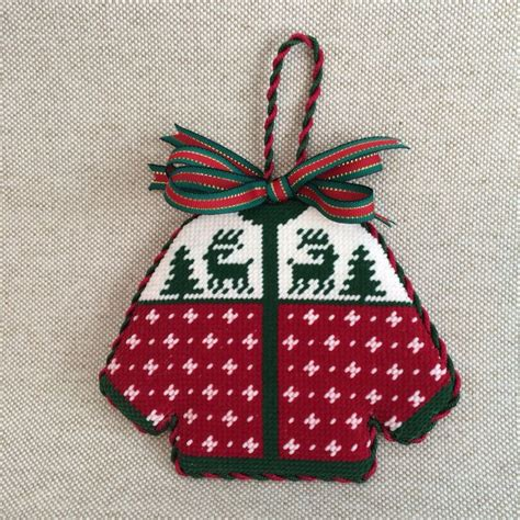 1000 images about needlepoint ornaments christmas on