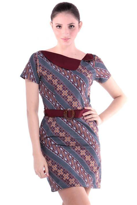 model dress batik casual  aktivitas sehari hari