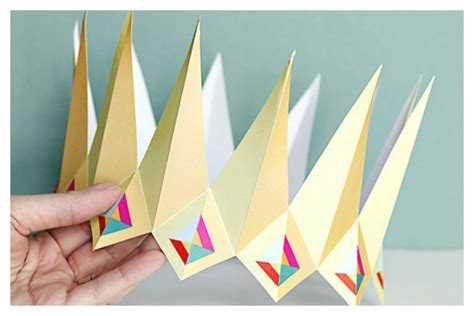 A Paper Crown - 7 of the coolest printable birthday crowns
