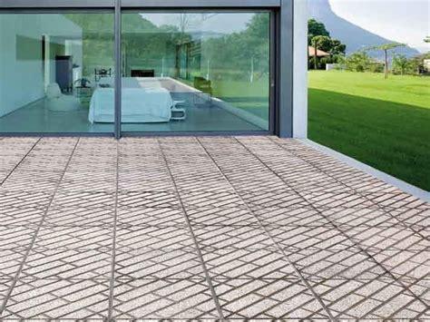 pavimento per esterno carrabile pavimento per esterni carrabile in graniglia parquet