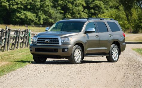 Toyota Sequo 2017 Toyota Sequoia Sr5 5 7l V8 Price Engine