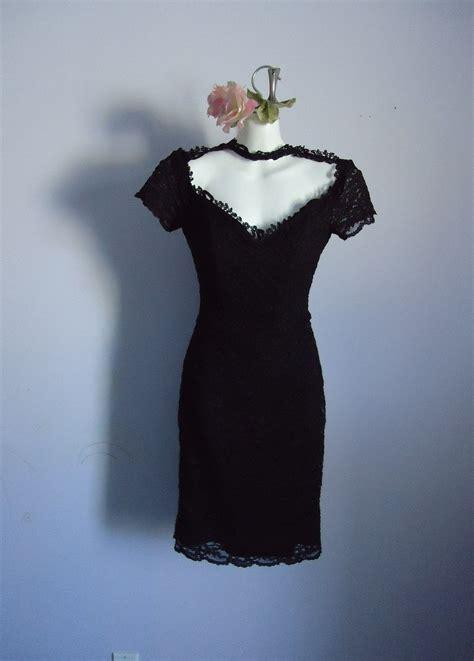 vintage black lace cocktail dress julia roberts wore