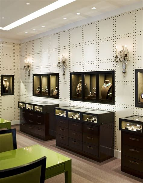 Fancy Store Interior Design by 17 Best Ideas About Jewelry Store Design On