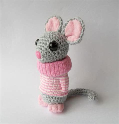cute mouse pattern no pattern just so cute love the sweater amigurumi