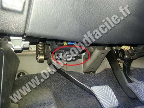 on board diagnostic system 2010 hyundai elantra engine control obd2 connector location in hyundai h1 1997 2007 outils obd facile