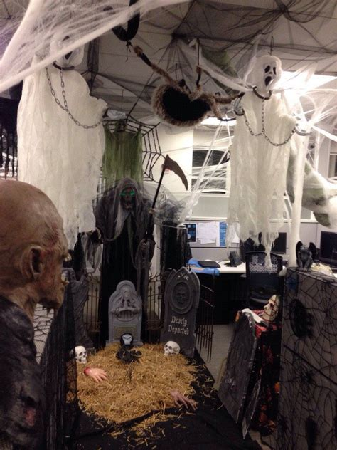 fun  spooky halloween office decor ideas