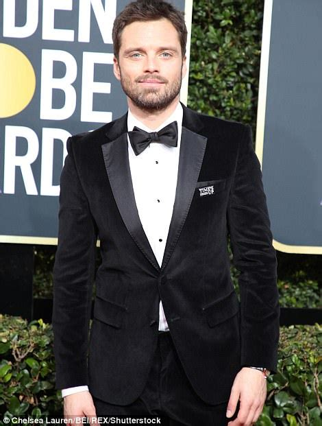chris sullivan stand up male stars wear time s up pins at the golden globes 2018