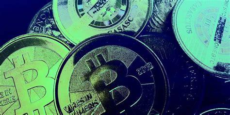 new year bitcoin crash bitcoin crashes below 300 lowest price in a year