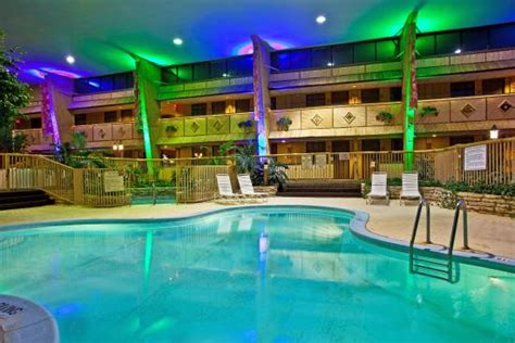 Beach Themed Dining Room by Holidome Pool Picture Of Holiday Inn Chicago Rolling