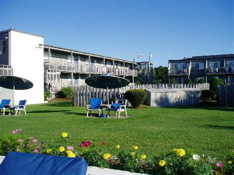 surfcomber motel cape cod 301 moved permanently