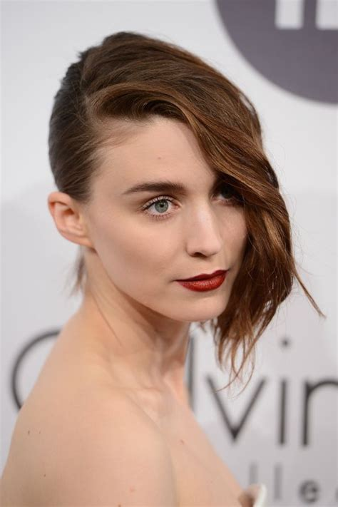 One Side Hairstyles Accessories by 206 Best Rooney Mara Images On Accessories