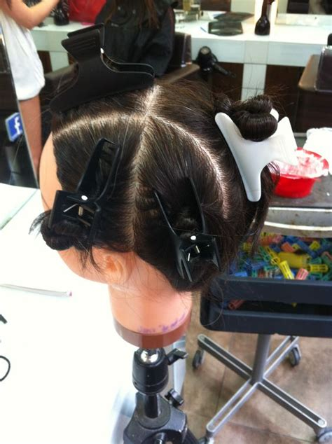 sectioning hair for a partial highlight sectioning for full head of foils hair color pinterest
