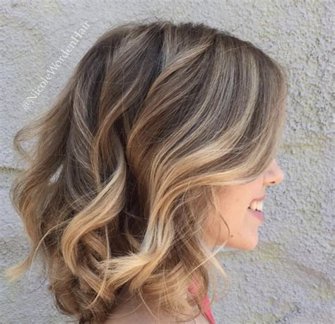 highlights beige nude beige waves balayage highlights on a beautiful long