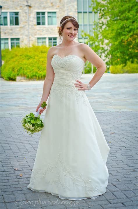 Wedding Ceremony Vs Reception by Wore 2 Dresses On The Big Day Show Me Your Ceremony Vs