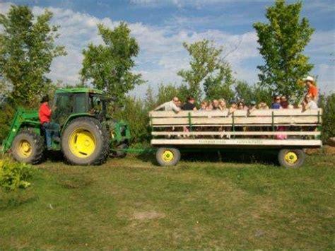 hayride photos with john deere tractors