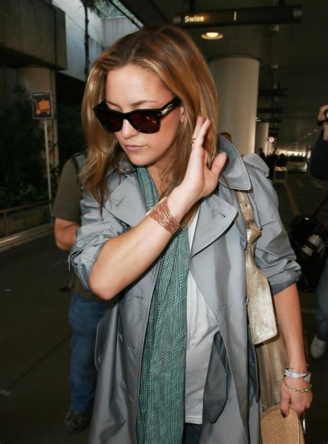 Kate Owen Back On Could It Be by Owen Wilson Kate Hudson Arriving At Lax Zimbio