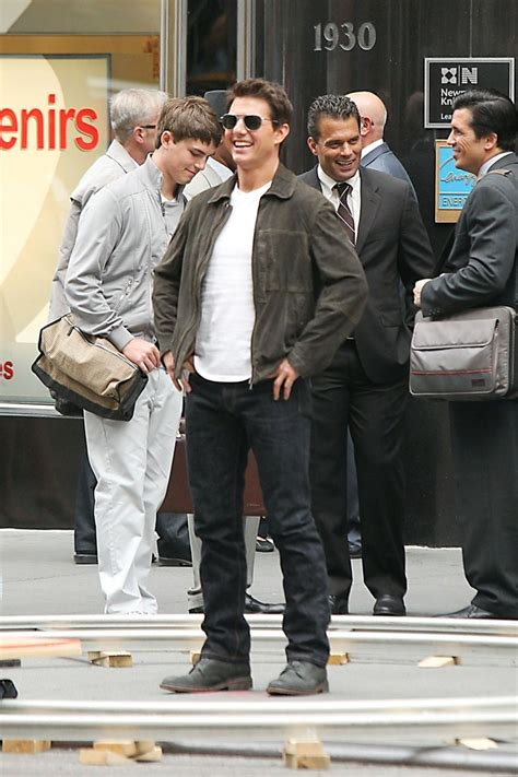 Tom Cruise Attacks Nyc by Tom Cruise Oblivion In Nyc 4 Zimbio