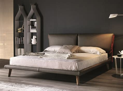 canapé beige 1739 adam modern bed by cattelan italia 5 556 00