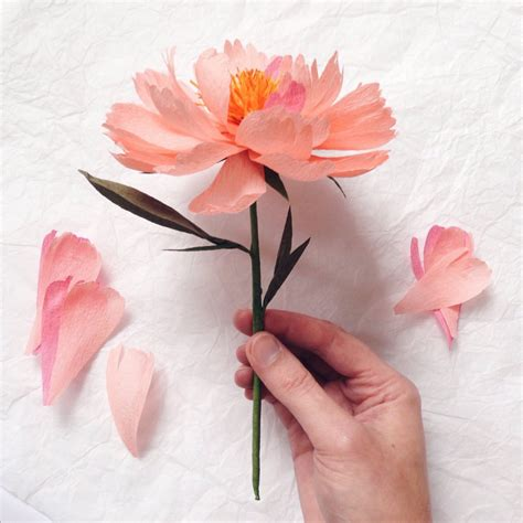 A Paper Flower - khoollect s fve tips to make pimped out paper flowers