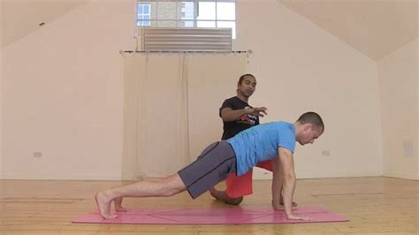 tutorial yoga vinyasa vinyasa flow under 10 mins yoga videos on movement for