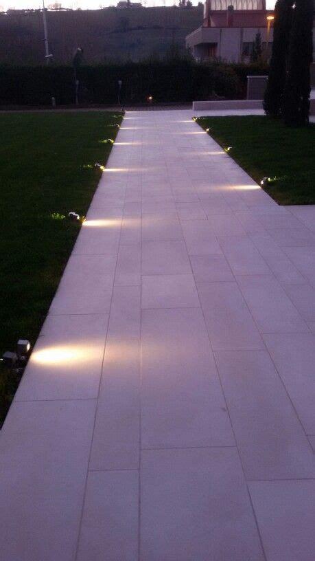 Outdoor Driveway Lighting Fixtures Best 25 Driveway Lighting Ideas On Solar Driveway Lights Exterior Solar Lights And
