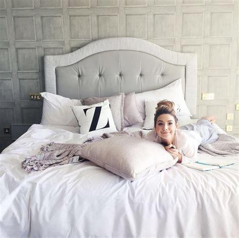 zoella bedroom 1000 ideas about zoella on pinterest joe sugg caspar