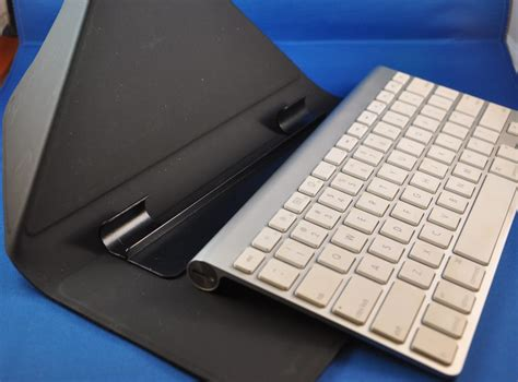 Origami Workstation - 5 stands that integrate an apple wireless keyboard with a