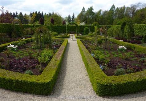 Garten Der Sinne Merzig öffnungszeiten by Garten Der Sinne Merzig In Der Bl 252 Tezeit Beeindruckend Foto Hotel Chapeau Noir
