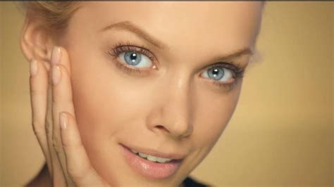 olay commercial actresses olay total effects cc cream tv commercial ispot tv