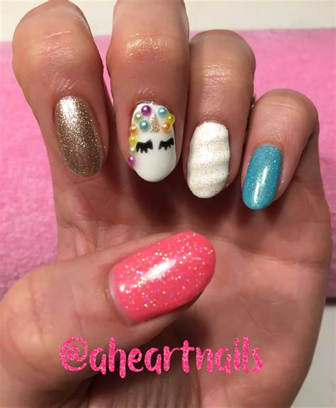 imagenes de uñas gelish decoradas unicorn nails with 3d unicorn horn using gelish by